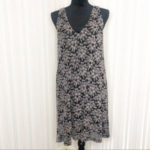 NWT Final Touch soft lace vneck dress